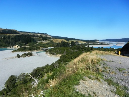 Rakaia Gorge - can you see my car?