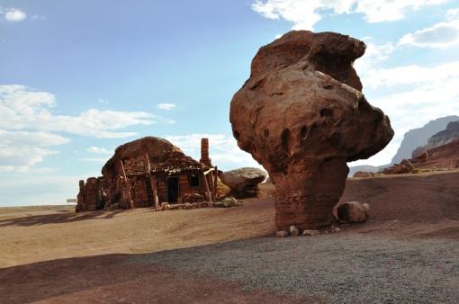 Rock dwelling near Navajo Bridge