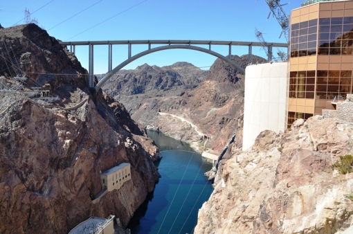 New bridge downstream from Hoover Dam