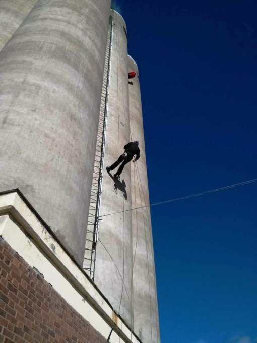 Now I'm halfway down the silo.