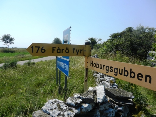 176 km between the ends of the island
