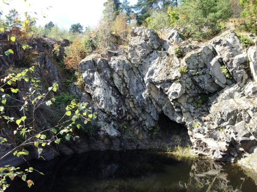 The dead falls in Avesta