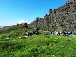 Visiting Þingvellir with bus loads of tourists